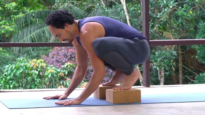 Preparatório 6: A postura do corvo